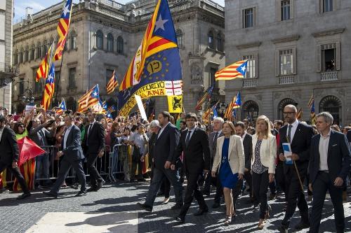 700 maires catalans manifestent pour l'indépendance à Barcelone