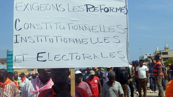 Togo : le projet de loi gouvernemental adopté, l'opposition claque la porte