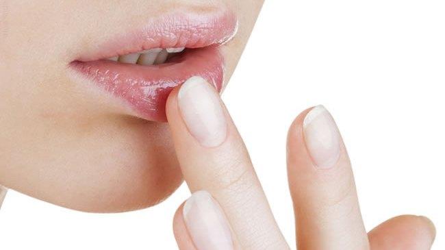 Alerte sur les Baumes à lèvres:  présence de substances toxiques selon L'UFC-Que Choisir