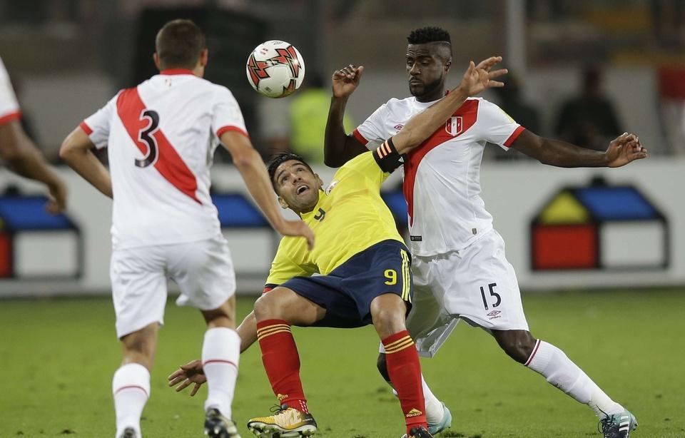 Eliminatoires Mondial Zone Amérique du Sud : Falcao et la Colombie accusés d'avoir arrangé la fin du match contre le Pérou