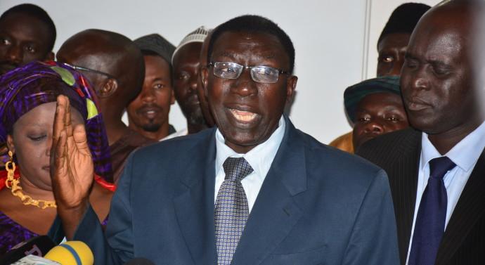 """Le président du Cercle des intellectuels sénégalais (Cis) flingue Macky Sall : """"Il a raté une belle occasion de se taire"""""""