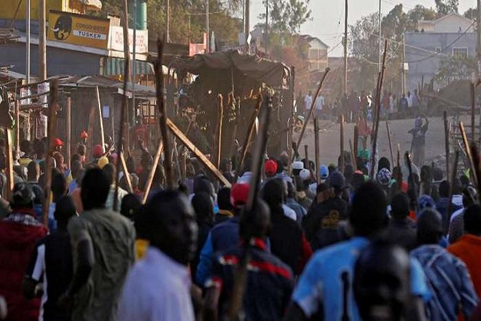 Kenya : face aux tensions, l'élection présidentielle est reportée dans les fiefs de l'opposition