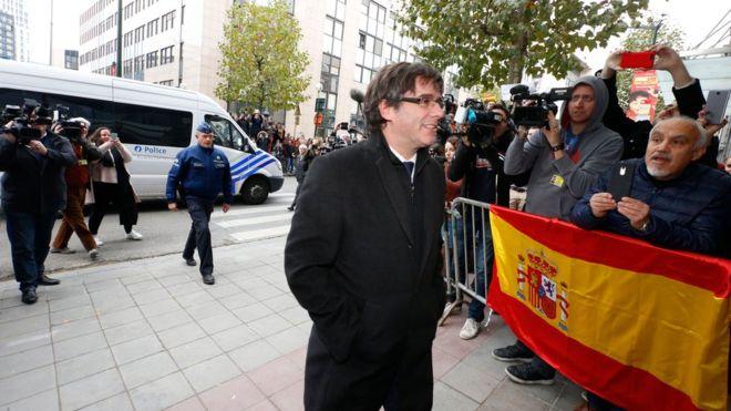 Le parquet espagnol a demandé jeudi un mandat d'arrêt européen contre Carles Puigdemont