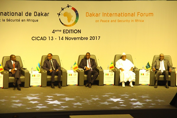 Forum de Dakar : les dirigeants africains veulent s'affranchir des missions onusiennes de maintien de la paix