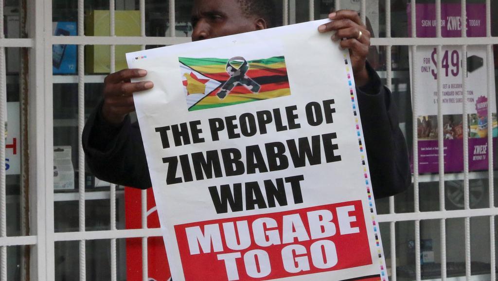 Zimbabwe: Robert Mugabe rencontrera l'armée dimanche