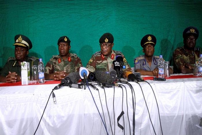 Mugabe en «contact» avec son vice-président, selon l'armée