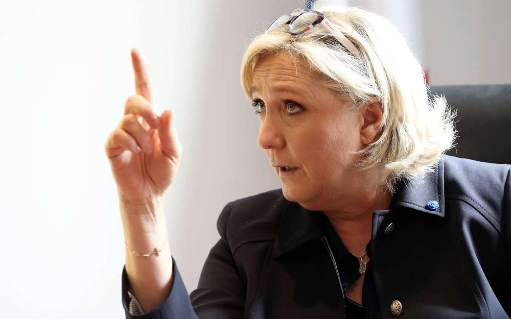 « M. Macron commet la même erreur d'analyse en Afrique… », (Front National)