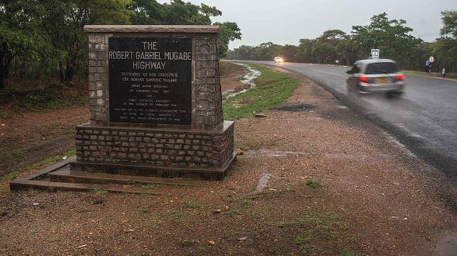  Zimbabwe : une vingtaine de morts dans un accident de la route