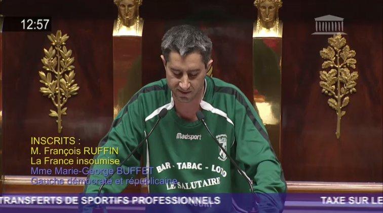 """Assemblée nationale française : Un député de la """"France insoumise"""" se pointe avec le maillot d'un club de foot et perd 1/4 de son salaire"""