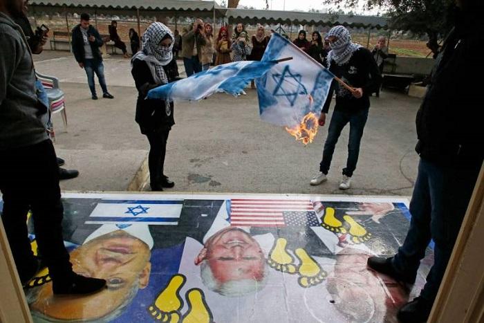 Jérusalem : Mike Pence aurait reporté sa visite en Israël