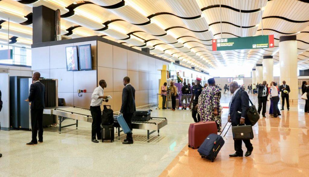 AIBD : Quand Abdou Khadre Lo liste les manquements du nouveau bijou et dément les autorités