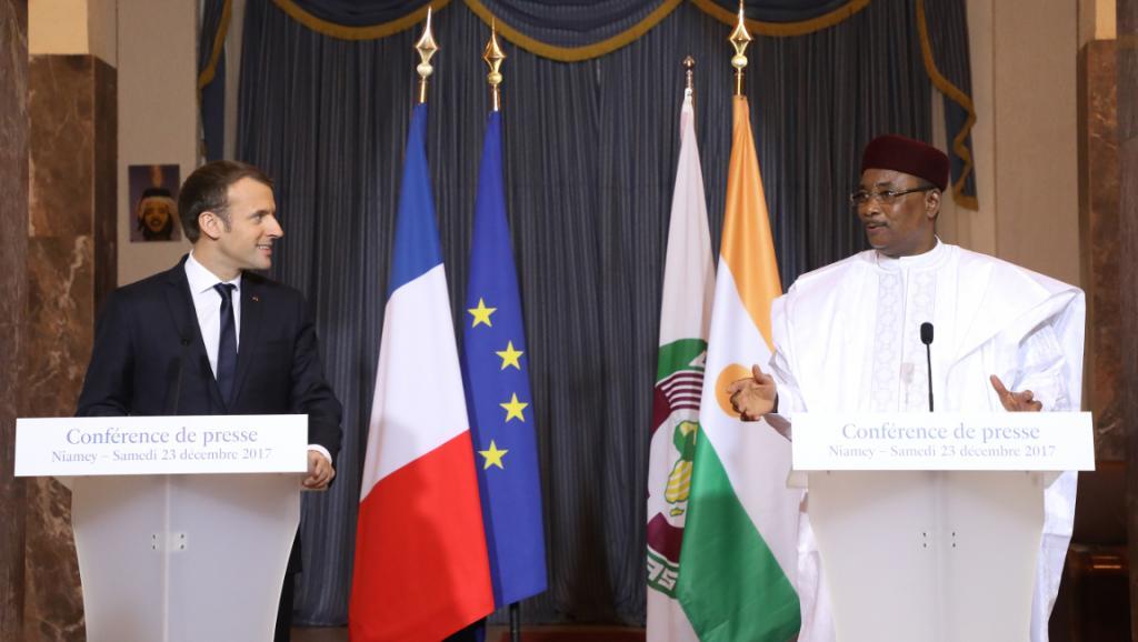 Au Niger, Emmanuel Macron veut des «victoires claires contre les terroristes»