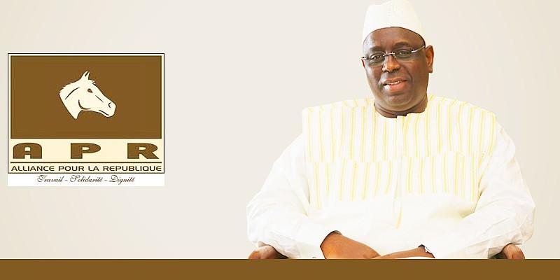 Secrétariat exécutif national de l'Apr : Macky annonce la construction d'un siège sur un terrain de 2000 m2 sur l'avenue Cheikh Anta Diop
