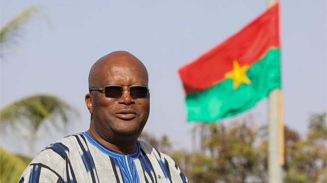 Burkina : plus d'heures de travail pour les fonctionnaires