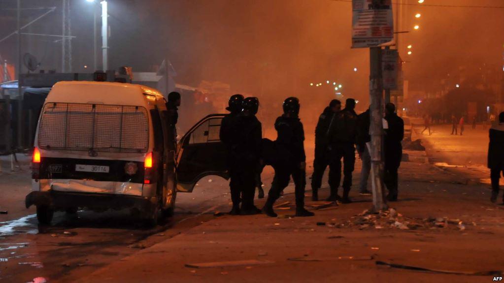 Manifestations en Tunisie : contestation contre la hausse des prix, au moins un mort