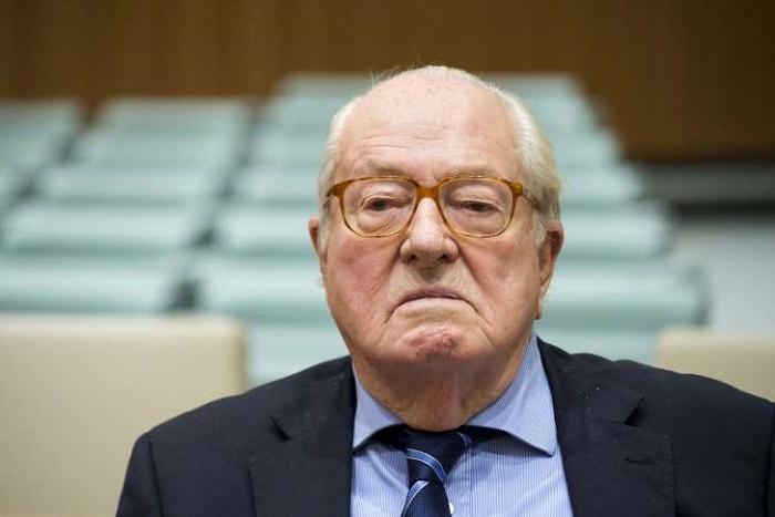 Pour Jean-Marie Le Pen, changer le nom du FN constituerait une «véritable trahison»