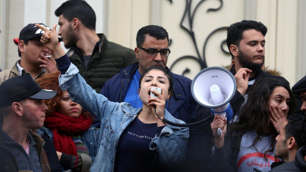 Manifestations en Tunisie: qui est derrière la campagne «Fech Nestannew»?