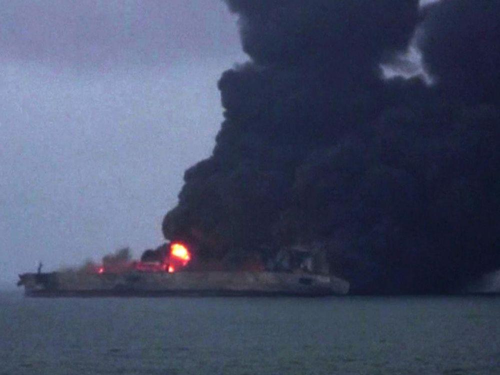 Pétrolier iranien en feu: il n'y a plus d'espoir de retrouver des survivants, selon Teheran