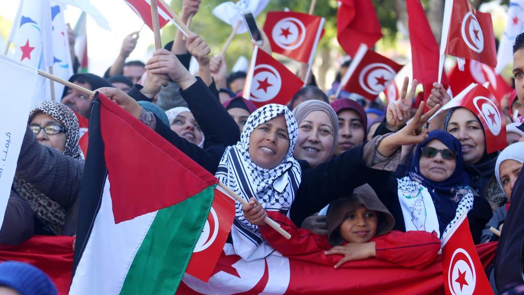 La Tunisie célèbre les sept ans de sa révolution dans un contexte tendu