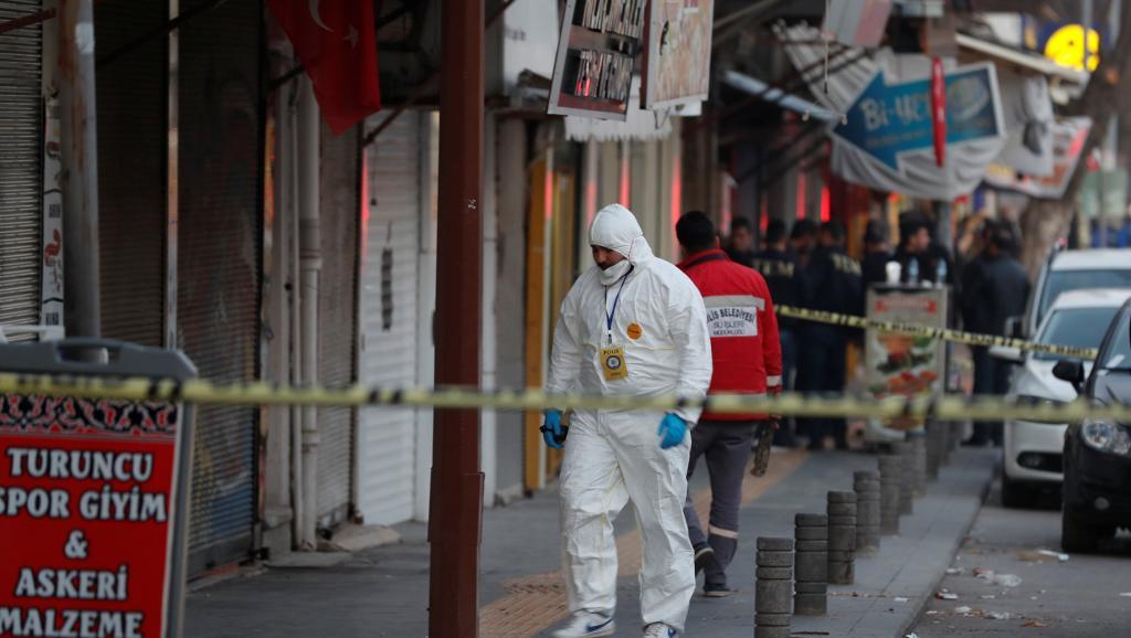 Turquie: à Kilis, sous les tirs de roquettes kurdes