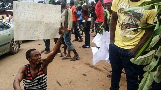 Cameroun: la voiture du sous-préfet enlevé, retrouvée calcinée