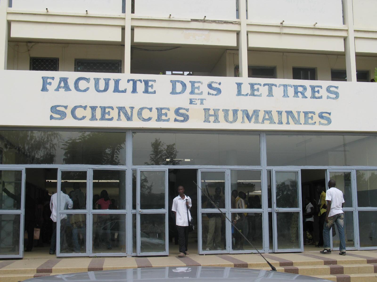 UCAD : Les étudiants en master 2 dénoncent les 50 000 exigés par l'administration pour...