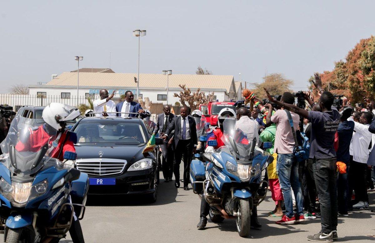 Les premières images de l'arrivée du Président Weah à Dakar