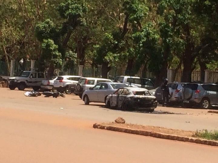 URGENT - 7 personnes seraient abattues dans l'attaque de Ouagadougou