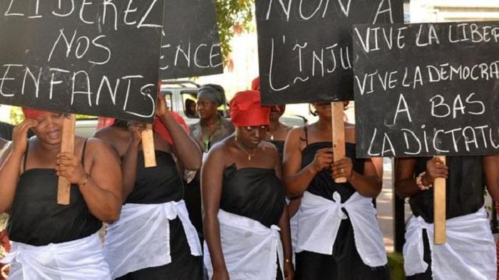 """Guinée : """"marche blanche"""" des femmes mercredi"""