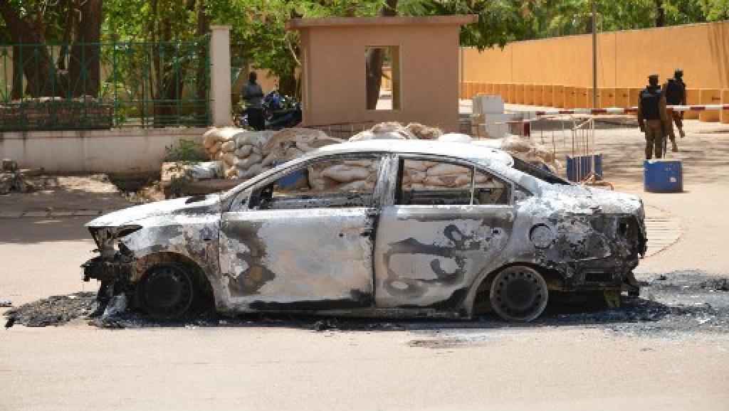 Le déroulement de la double attaque de Ouagadougou se précise