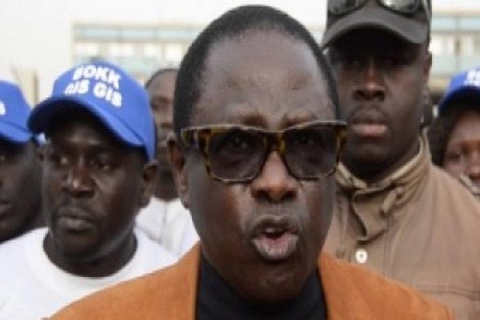 Pluie de lacrymogènes sur leur manifestation : Pape Diop sort de ses gongs