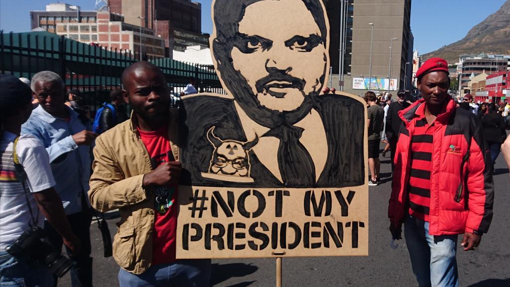La justice sud-africaine recherche les frères Gupta, toujours introuvables
