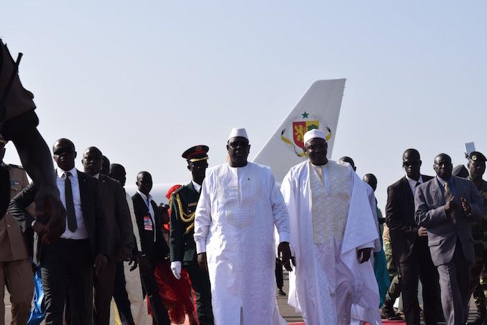 Cherté santé et éducation des Sénégalais en Gambie : Macky promet aux femmes et aux élèves d'y remédier