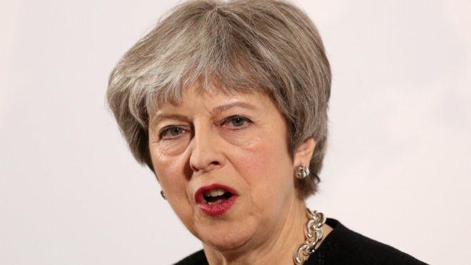 Theresa May exige des explications à la Russie