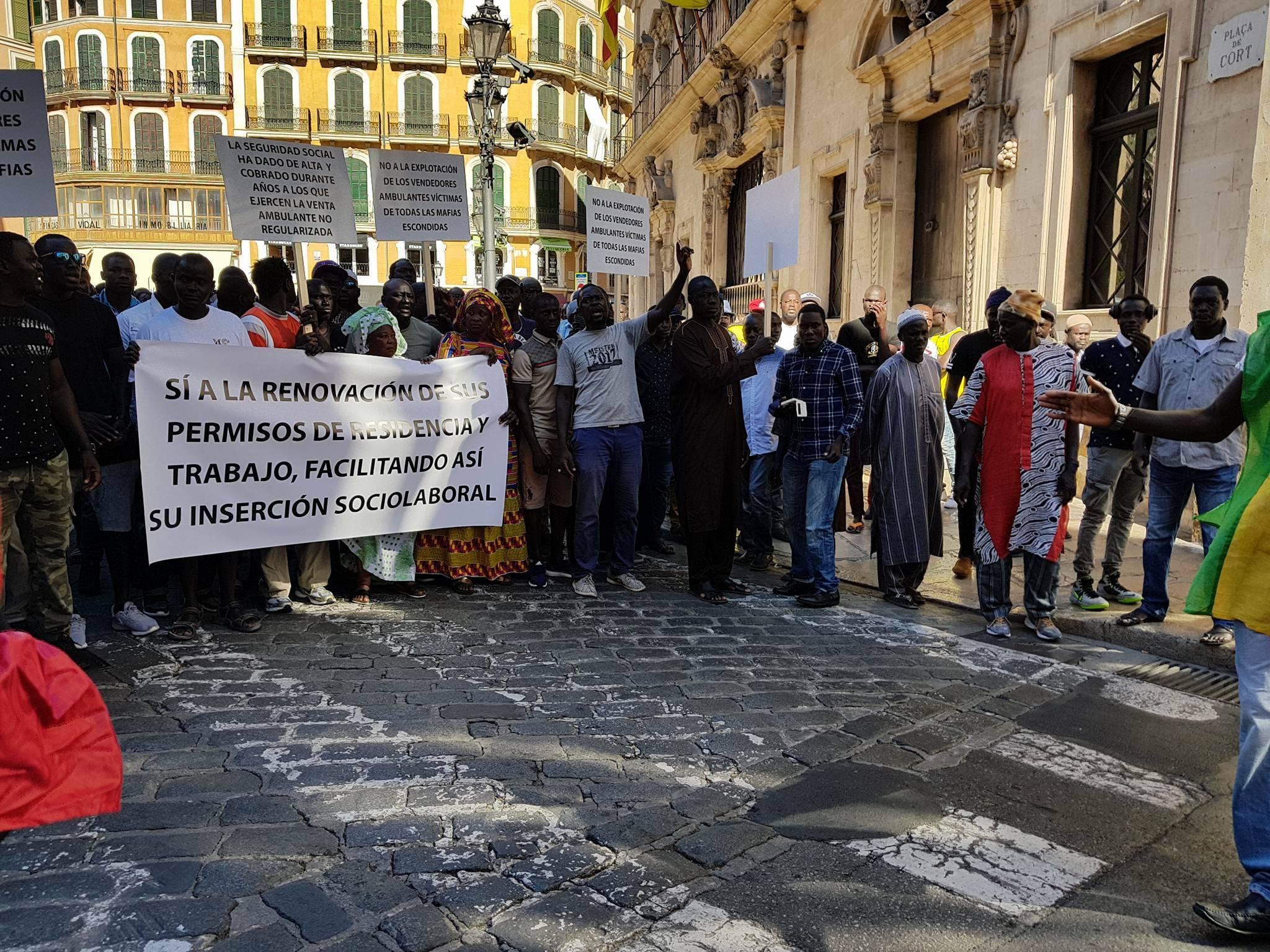 Espagne : des Sénégalais s'attaquent à des citoyens espagnols dans la rue après la mort de Mame Mbaye Ndiaye
