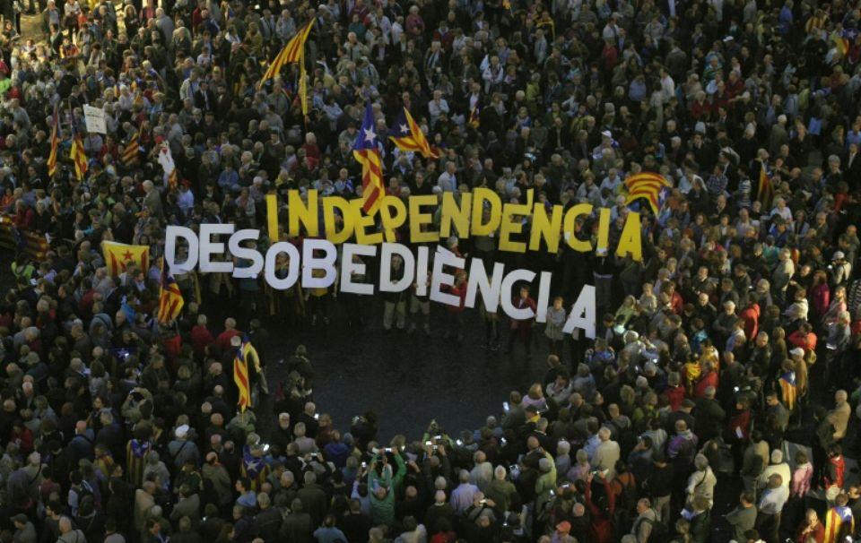 Catalogne : plusieurs routes barrées suite à l'arrestation de Puigdemont