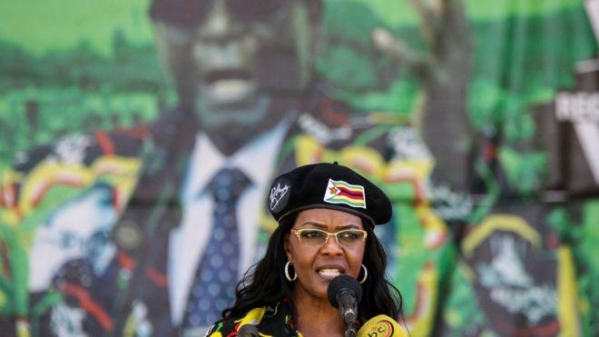 Zimbabwe : des orpailleurs envahissent un domaine de Grace Mugabe