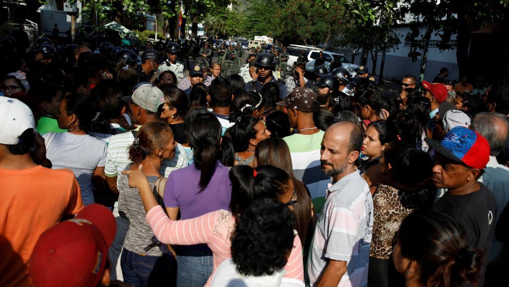 Venezuela : 5 policiers arrêtés après un drame qui a fait 68 morts dans une prison