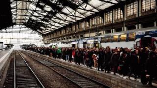 Grève massive des transports en France