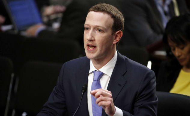 """Mark Zuckerberg a demandé pardon pour les """"erreurs"""" de Facebook"""