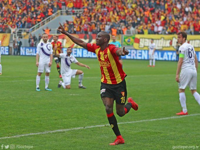 Demba Ba : « Sadio a décidé de me faire oublier… »