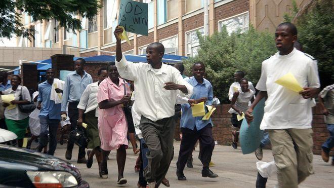 Zimbabwe : plus de 10 mille infirmières licenciées