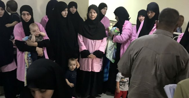 Irak: 19 femmes russes condamnées à la prison à vie pour avoir rejoint et soutenu le groupe Etat islamique (EI)