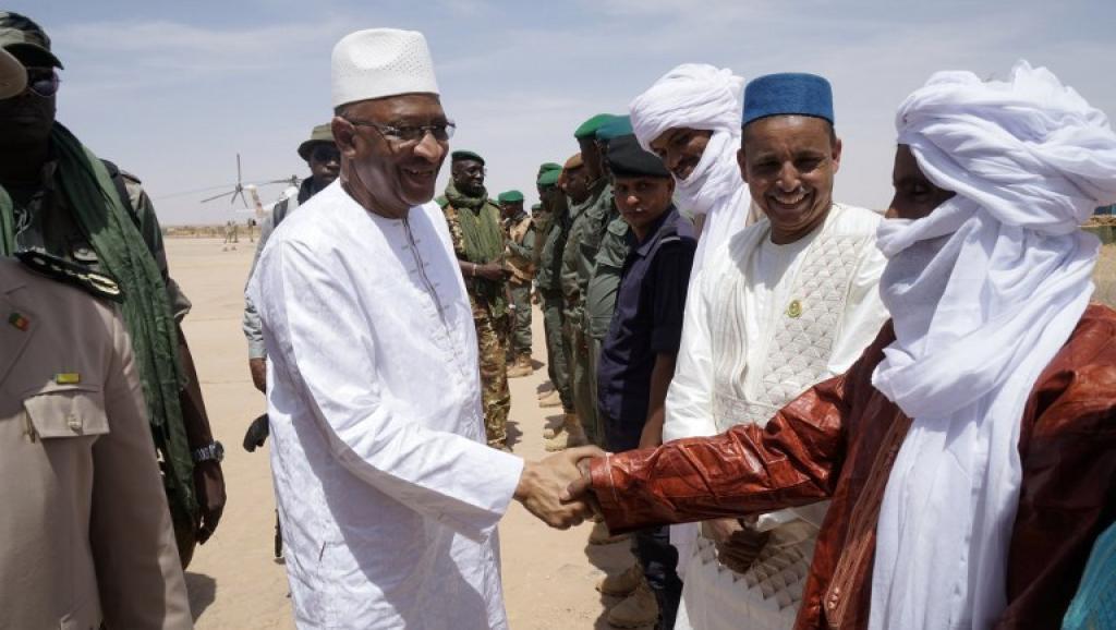 Mali: à Ménaka, Boubeye Maïga promet une aide alimentaire et matérielle