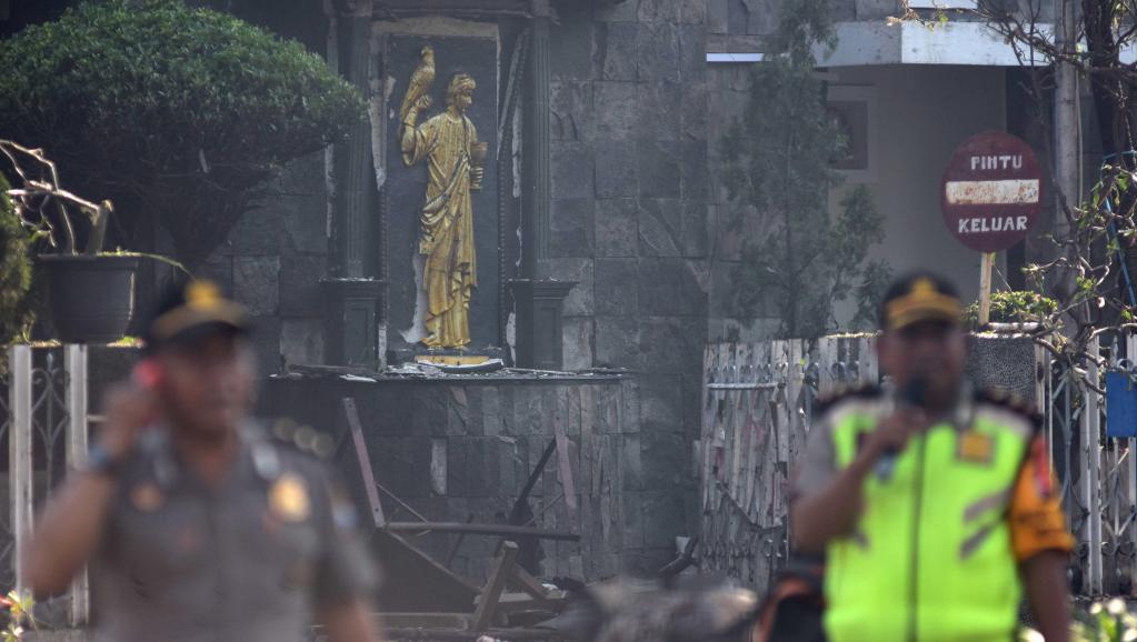 Indonésie: trois attentats contre des églises ensanglantent la ville de Surabaya