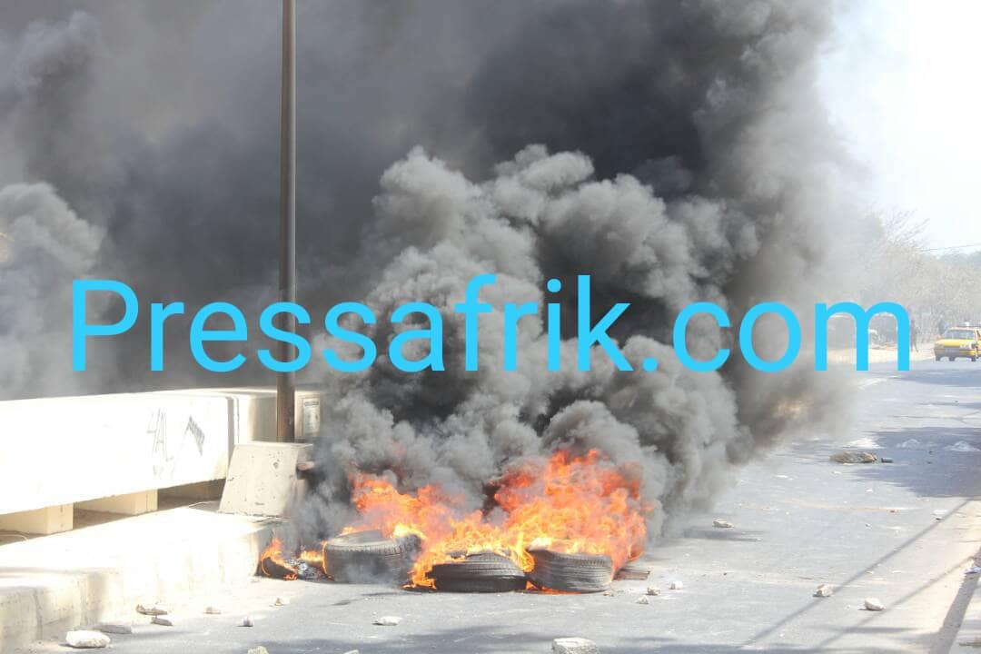 L'UCAD en état de siège : les images de la furie des étudiants