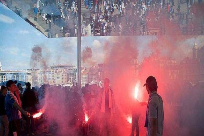Finale Ligue Europa: foule survoltée, fumigènes, chants… Marseille est en fusion