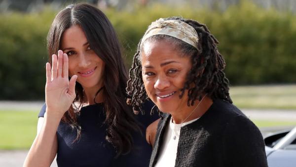 La future princesse Meghan et sa maman, Doria Ragland, ce samedi 19 mai 2018 à Taplow, près de Windsor, pour le grand jour. AFP