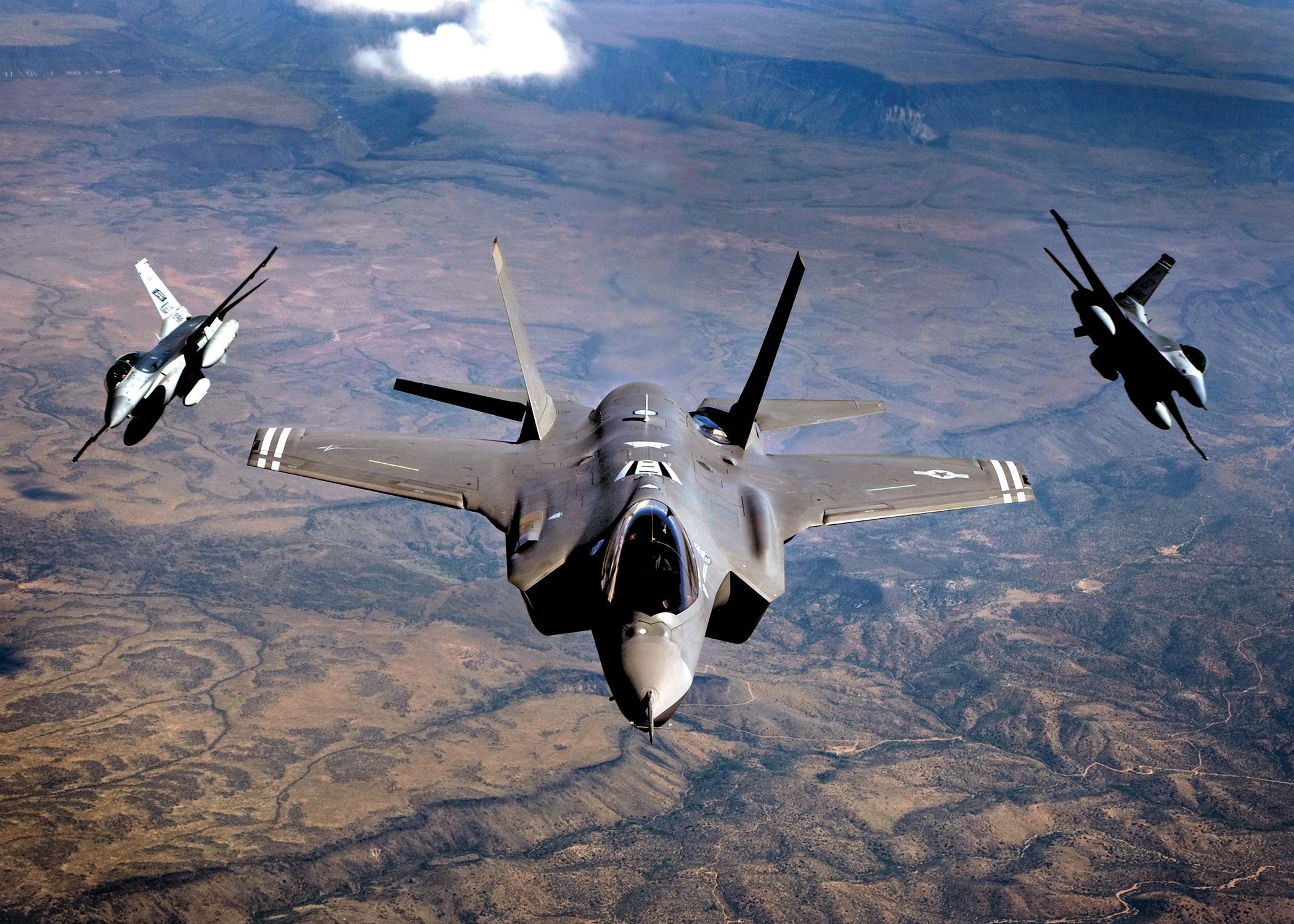 """Moscou aurait donné le """"feu vert"""" à Israël pour frapper des cibles iraniennes en Syrie"""