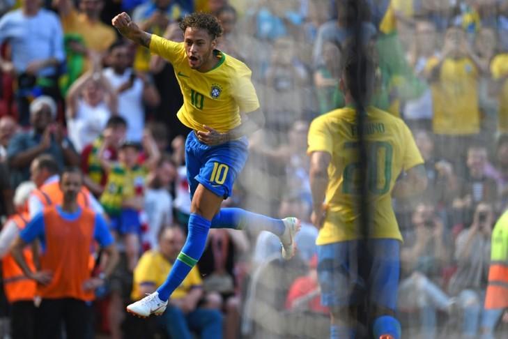 Le Brésil s'impose face à la Croatie (2-0): Neymar fête son retour avec un bijou